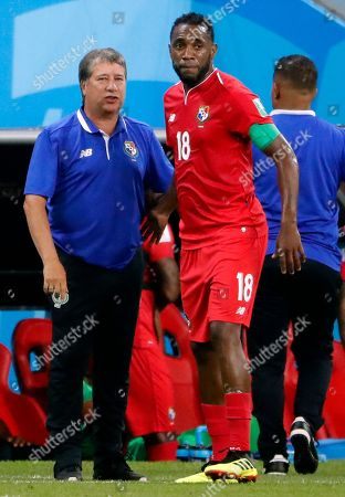 Panama's coach Hernan Dario Gomez and Luis Tejada of Panama