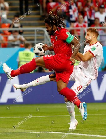 Roman Torres (L) of Panama and Fakhreddine Ben Youssef of Tunisia in action during the FIFA World Cup 2018 group G preliminary round soccer match between Panama and Tunisia in Saransk, Russia, 28 June 2018.