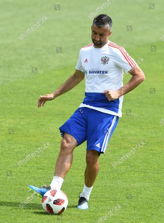 Russia's national soccer team player Aleksandr Samedov during a training session held at Federal Sports Centre Novogorsk, Novogorsk, Russia, 30 June 2018. Russia will face Spain in the Round of 16 of the FIFA World Cup 2018 on 01 July.