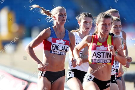 Hannah England in the women's 1500m heat