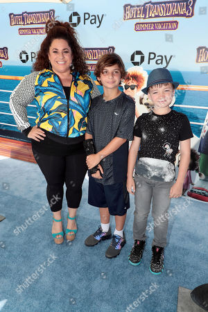 Marissa Jaret Winokur and family