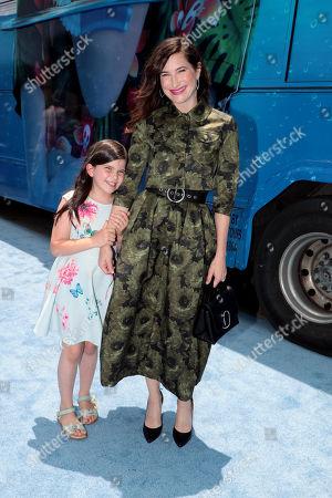 Mae Sandler and Kathryn Hahn