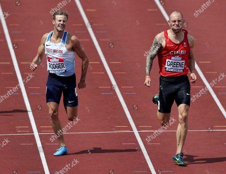 Dai Greene winning the 400m hurdles final