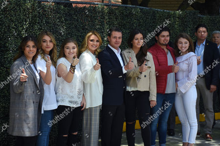 (L to R) Paulina Pena, Sofia Castro, Fernanda Castro, Angelica Rivera, Enrique Pena Nieto, Alejandro Pena and Regina Castro after they vote during Mexico's Presidential Elections on July 01, 2018 in Mexico City, Mexico