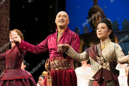 Stock Photo of Kelli O'Hara (Anna), Ken Watanabe (The King) and Naoko Mori (Lady Thiang) during the curtain call