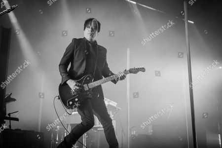 Queens Of The Stone Age - Michael Shuman
