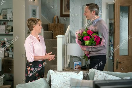 Ep 9505 Wednesday 11 July 2018 - 2nd Ep An angry and suspicious Tim clocks Duncan, as played by Nicholas Gleaves, arrives at no. 4 armed with flowers for Sally Metcalfe, as played by Sally Dynevor. Duncan is thrilled when Sally tells him his fund request has been accepted.