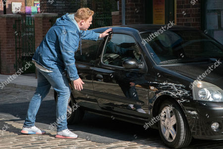 Ep 9503 Monday 9th July 2018 - 2nd Ep Kayla, as played by Mollie Winnard, fails to show for the double date saying she is ill. Craig Tinker, as played by Colson Smith, goes to look for her and is shocked when she tells him she is leaving her job and it's over between them