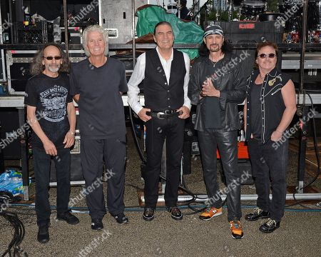 Grand Funk Railroad - Mel Schacher, Don Brewer, Max Carl, Bruce Kulick, Tim Cashion