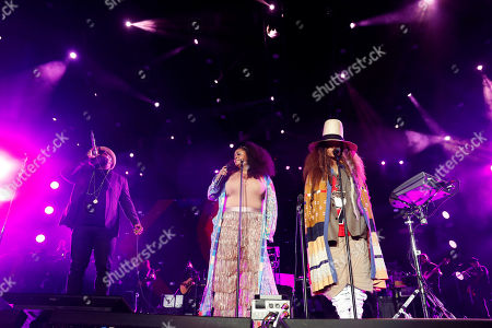 Stock Picture of Quest Love performs with the Roots, Erykah Badu, right, and Jill Scott, center, at the 2018 Essence Festival in New Orleans