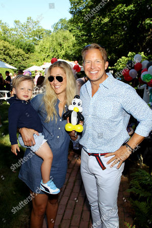 Stock Picture of Sarah Siciliano, Chris Wragge with son