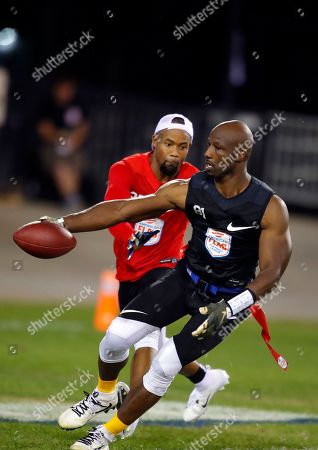 Godspeed's Jason Avant runs with the ball during a semifinal game against Holdat at the American Flag Football League (AFFL) U.S. Open of Football tournament, in Kennesaw, Ga