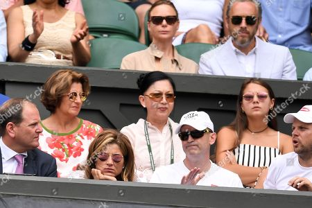 Mirka Federer, Stella McCartney and Alasdhair Willis on Centre Court