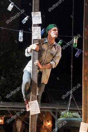 Edward Hogg as Orlando