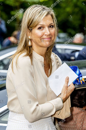 Queen Maxima visits scouts at the Roverway Meeting, Voorburg