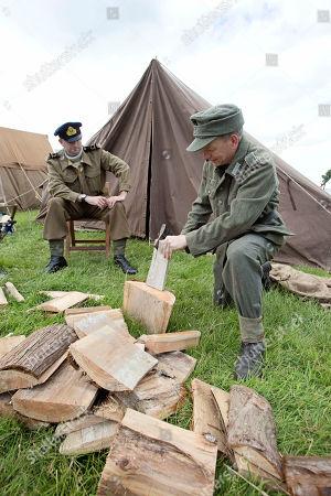 Chalke Valley History Festival - World War Ii In Colour Warrant Officer Matt Cobb (left) And Grenadier Paul Groves.