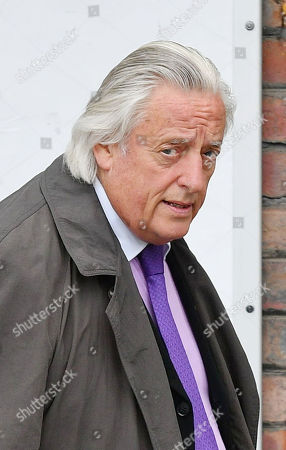 Barrister Michael Mansfield Leaves After The Cps Announcement Over The Hillsborough Disaster At Parr Hall Warrington Cheshire.