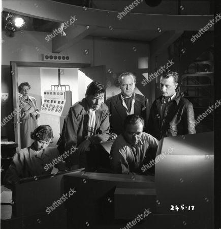 Muriel Pavlow (Caroline Cartier), Robert Beatty (Maj. Sam Seagram), Walter Fitzgerald (Sir Charles Craddock), Herbert Lom (Dr. Alex Leon), Patric Doonan (Brian Jackson)