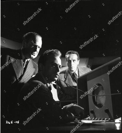 Walter Fitzgerald (Sir Charles Craddock), Herbert Lom (Dr. Alex Leon), Noel Willman (Dr. Dennis Bord)
