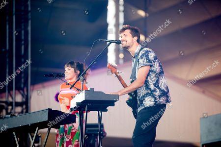 Oh Wonder - Josephine Vander Gucht and Anthony Wes