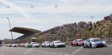 15.07.2018, Circuit Park Zandvoort, Zandvoort, DTM 2018, 5.Lauf Zandvoort,13.07.-15.07.2018 , im Bild Rennstart, Start:  Gary Paffett (GBR#2) Mercedes-AMG Motorsport Petronas, Mercedes-AMG C 63 DTM , Philipp Eng (AUT#25) BMW Team RMR, BMW Driving Experience BMW M4 DTM, Rene Rast (DEU#33) Audi Sport Team Rosberg, Auto Bild Motorsport Audi RS 5 DTM, Pascal Wehrlein (DEU#94) Mercedes-AMG Motorsport Petronas, Mercedes-AMG C 63 DTM, Paul Di Resta (GBR#3) Mercedes-AMG Motorsport Remus, Mercedes-AMG C 63 DTM