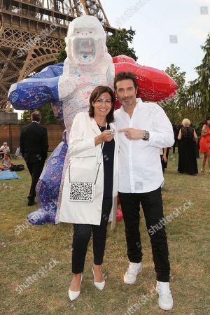 Anne Hidalgo and Richard Orlinski
