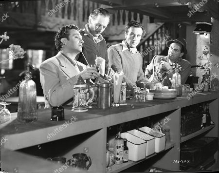 Marcel Dalio (Valdini), Guy Middleton (Mayne), Dennis Price (Blair), Stanley Holloway (Wesson)