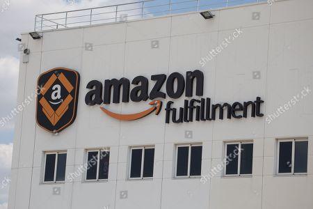 General view of the Amazon warehouse in San Fernando de Henares
