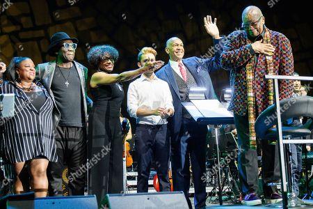 Richard Bona (2nd L), Dee Dee Bridgewater, Andreas Varady, John Clayton and Quincy Jones
