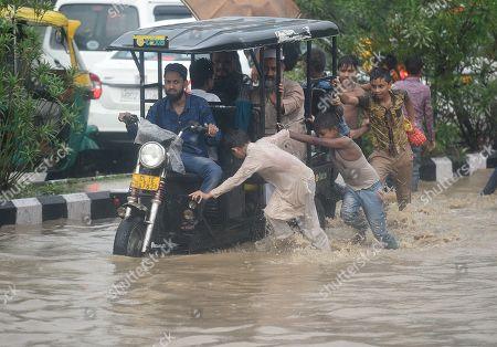 Heavy rainfall and flooding, Delhi