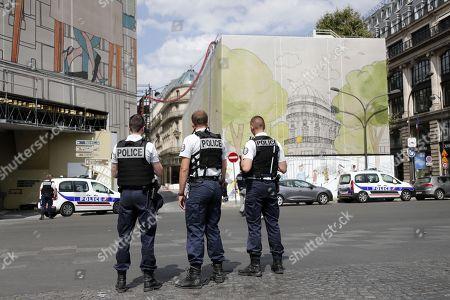 Police operation, Paris
