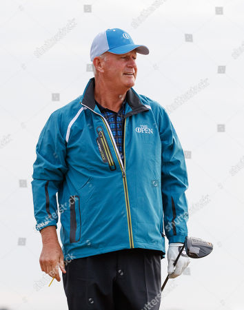 Sandy Lyle of Scotland on the 2nd tee