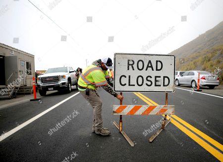 Highway reopens after landslide, Big Sur
