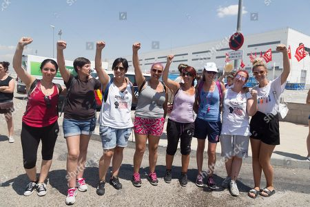 Group of women seen supporting their fellow women workers during the protest.