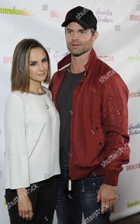 Stock Picture of Rachael Leigh Cook, Daniel Gillies