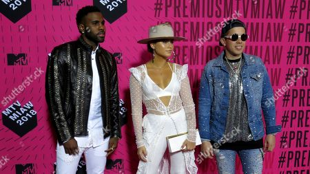 "Jason Derulo, Sofia Reyes, De La Ghetto. U.S. singer Jason Derulo, left, Mexican Singer Sofia Reyes, center, and the U.S. singer De La Ghetto, arrive to the MTV MIAW awards in Mexico City. Reyes launched on July 19 an interactive version of her single ""1, 2, 3"" with Derulo and De La Ghetto to which fans can sing along at the app Smule"