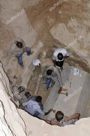 Opening of ancient sarcophagus, Alexandria