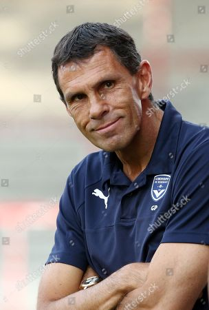 Trainer Gustavo Poyet /   / Portrait     