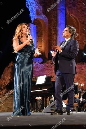 Paola Ferrari De Benedettim with the conductor of the evening Salvo La Rosa