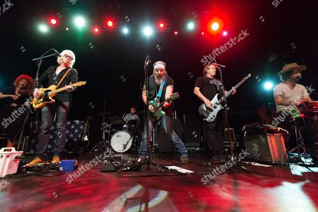 Stock Picture of Steve Earle & The Dukes - Chris Masterson, Steve Earle, Kelley Looney, Ricky Ray Jackson