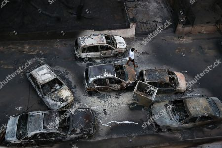 Dozens of burned cars in the Mati area, Kokkino Limanaki near Rafina