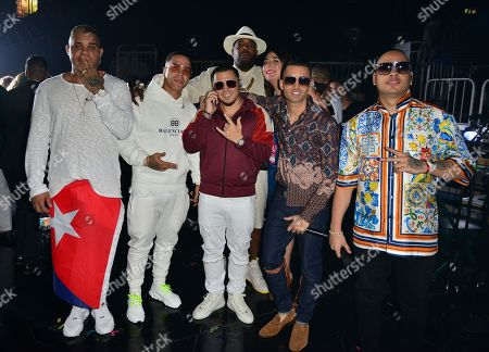 Taiger, Yomil, DJ Chino, Lenier, El Micha, Bianca Alarcon and Jacob Forever attends the Univision's Premios Juventud 2018 backstage at Watsco Center