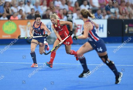 Sophie Bray of England runs at Michelle Vittese of USA