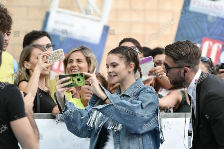 Stock Photo of Francesca Michielin with fans