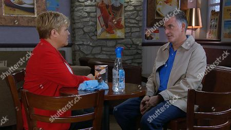 Ep 8222 Thursday 2nd August 2018 - 2nd Ep Bob Hope, as played by Tony Audenshaw, agrees to give Brenda Walker, as played by Lesley Dunlop, the cafe.