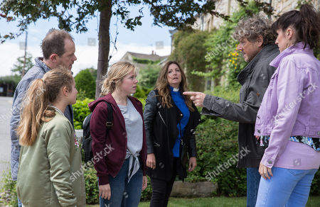 Stock Image of Ep 8226 Wednesday 8th August 2018 Beth, as played by Annabelle Kaye, is back in the village creating more problem for the Spencers, Daz Spencer, as played by Mark Jordon, Amelia Spencer, as played by Daisy Campbell, Dan Spencer, as played by Liam Fox, Kerry Wyatt, as played by Laura Norton, Harriet Finch, as played by Katherine Dow Blyton.