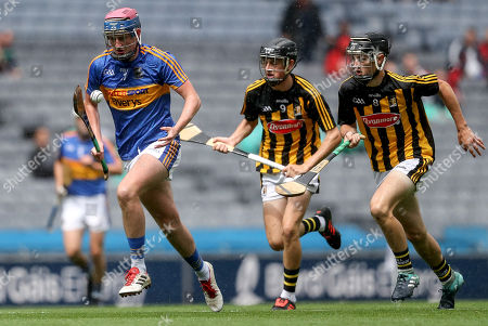 Tipperary vs Kilkenny. Tipperary's Cian O?Farrell with Cian Kelly and Conor Kelly of Kilkenny