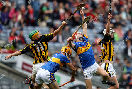 Tipperary vs Kilkenny. Kilkenny?s Ciaran Brennan and Cathal O?Leary compete with Conor O?Dwyer and Conor Whelan of Tipperary