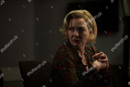 Stock Photo of Sara Stewart as Mel Hollis.