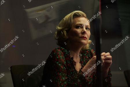 Sara Stewart as Mel Hollis.
